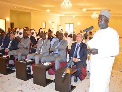 Face à l'aggravation de la crise économique au Tchad, Idriss Déby chasse ses ministres et rencontre à huis clos les opérateurs économiques à Am-Djaress