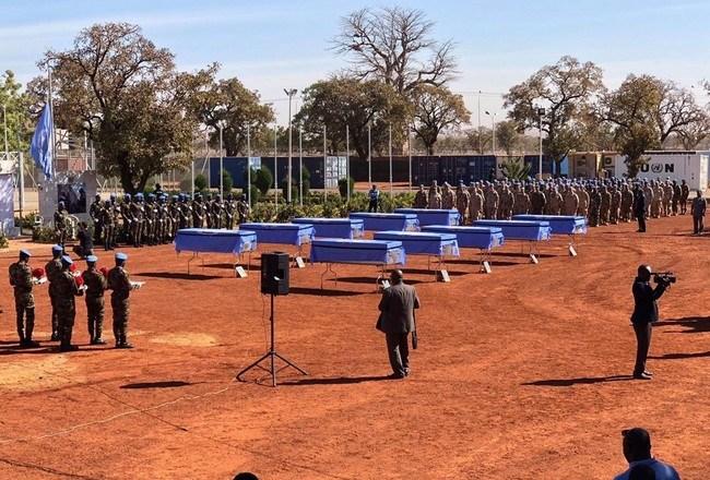 Mali: cérémonie d'hommage solennel aux 10 casques bleus tchadiens tués dans le nord du pays