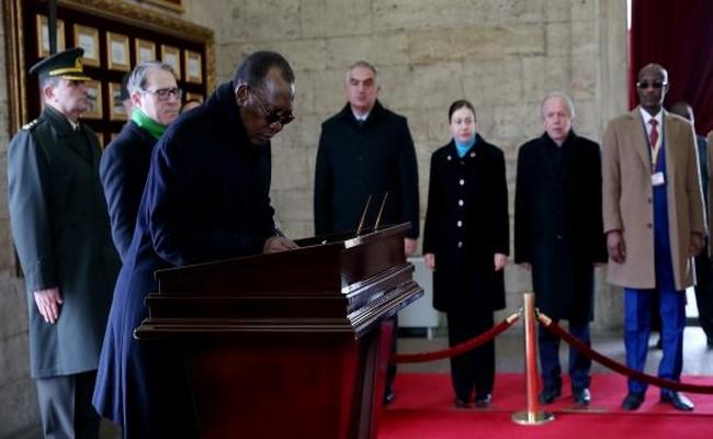 En Turquie, Idriss Déby visite le Mausolée Anitkabir de Mustafa Kemal Atatürk à Ankara