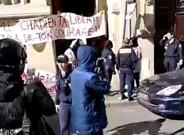 L'ambassade du Tchad à Paris saccagée par des jeunes migrants