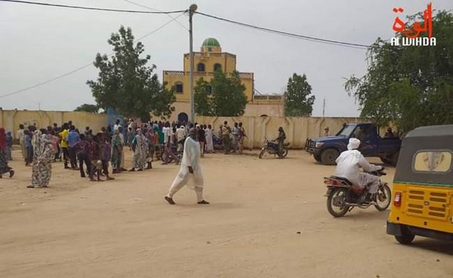 Révocation de l'influent Sultan du Dar-Ouaddaï au Tchad: face à la puissance des chapelets, Idriss Déby envoie l'armée pour déloger les récitateurs