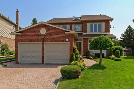 1223 Bridge Gate Cres, Pickering