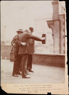 Josef Byron 1920 selfie