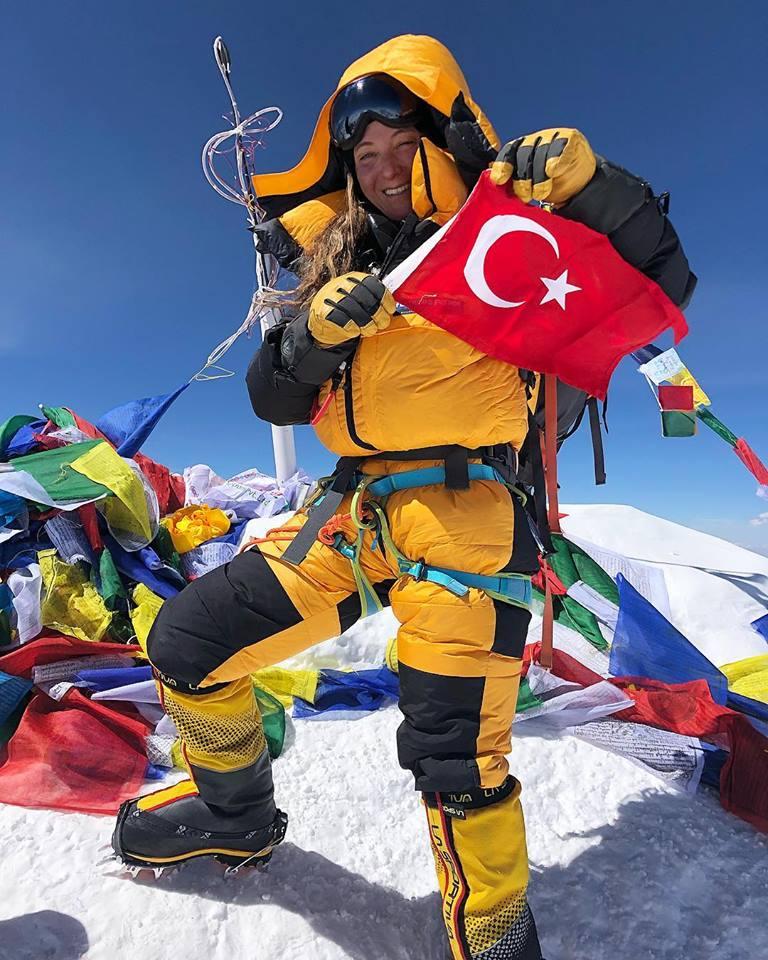 Bayrağımız Bir Daha Everest Zirvesinde!