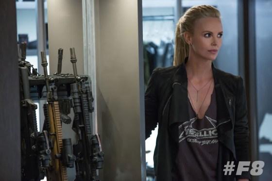 Charlize Theron este personajul negativ Cipher în Fast 8