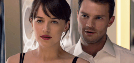 Jamie Dornan şi Dakota Johnson în Fifty Shades Darker