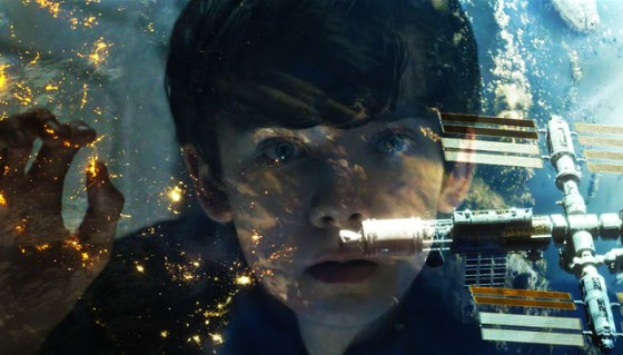 Asa Butterfield în The Space Between Us