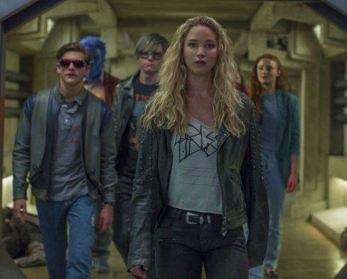 În Filmul Spinoff DARK PHOENIX, Revine Toată Distribuţia Din X-Men: Apocalipsa - Cyclops (Tye Sheridan), Beast (Nicholas Hoult), Quicksilver (Evan Peters), Raven (Jennifer Lawrence) si Jean Grey (Sophie Turner).