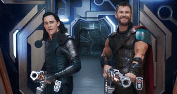 Thor: Ragnarok (2017) Tom Hiddleston (Loki) si Chris Gemsworth (Thor)