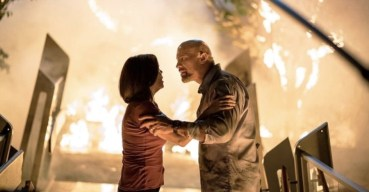 Neve Campbell si Dwayne Johnson in Skyscraper 2018