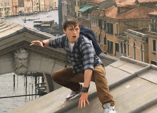 Peter Parker (Tom Holland)