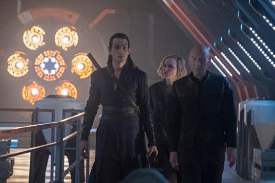 Evan Evagora ca Elnor; Alison Pill ca Dr. Jurati; Patrick Stewart ca Jean-Luc Picard