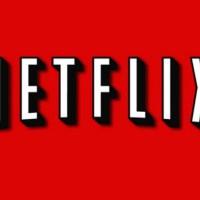 Il logo di Netflix su sfondo rosso