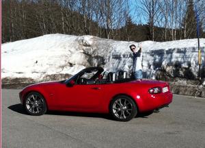 Tils Red car