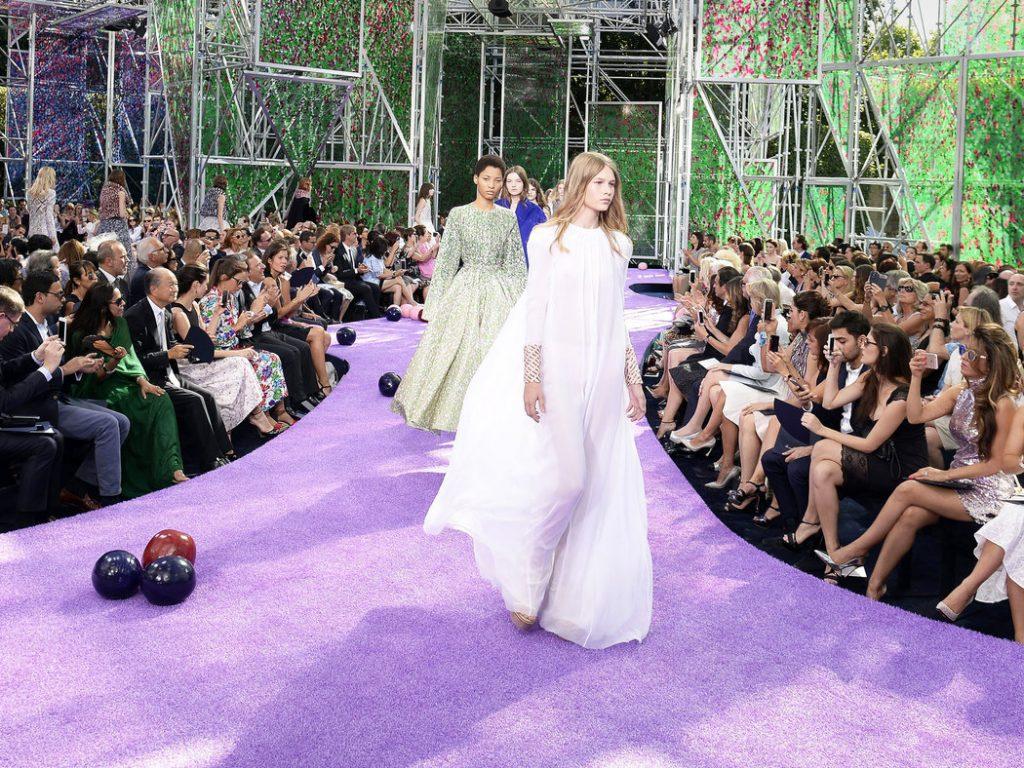 Sofia Mechetner opening for Dior [Image: Caroline Blumberg /European Pressphoto Agency]