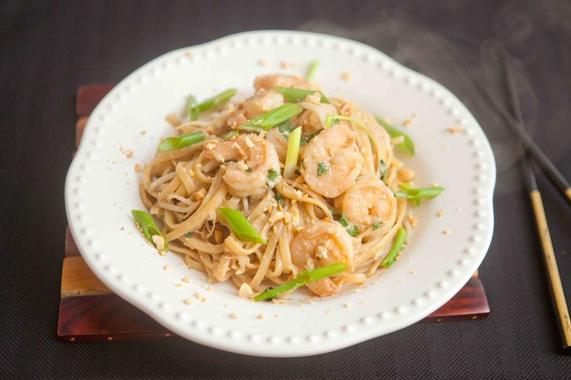 take-out style shrimp pad thai at home