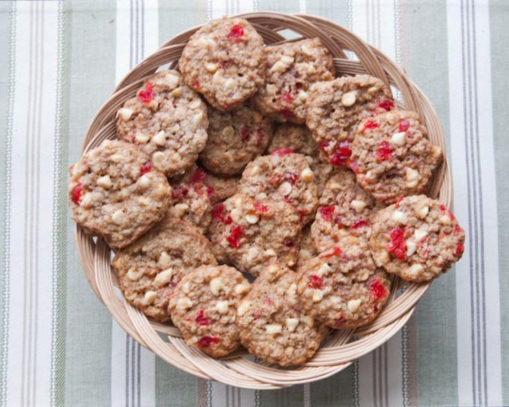 White Chocolate Cherry Oatmeal Cookies
