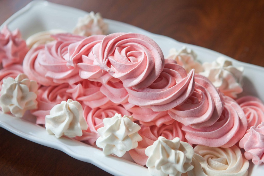meringue roses for mothers day-4468