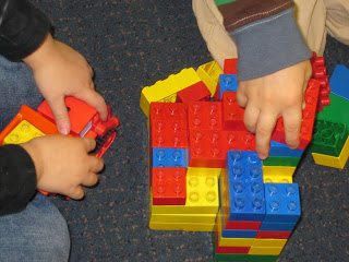 Preschoolers need time for block play