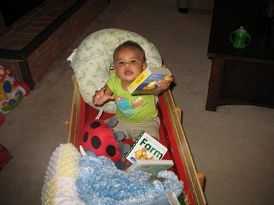 Reading spaces for a toddler