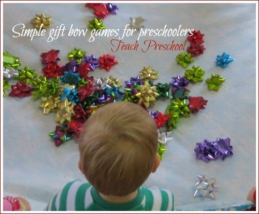 Simple gift bow game for preschoolers