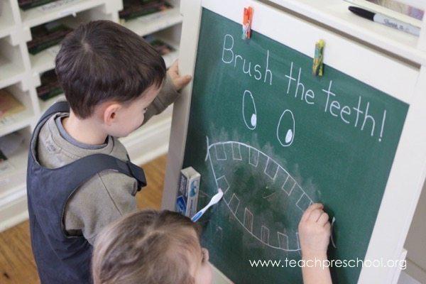 Three fun ways to brush, brush, brush the teeth!