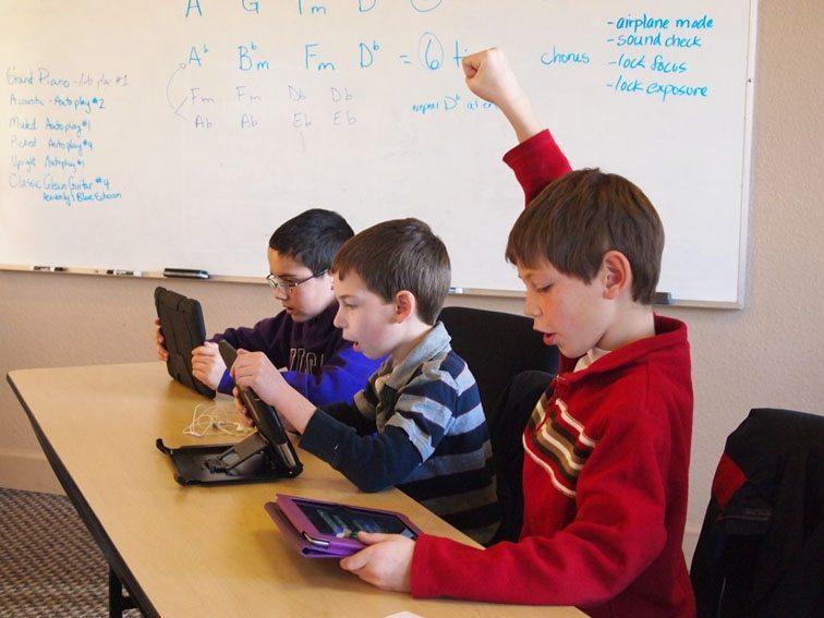 byod-smartphone-ipad-school