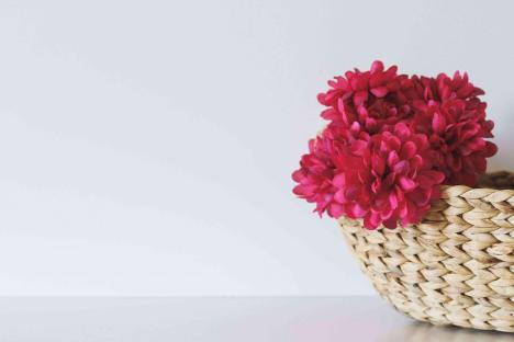 basket-with-flowers-to-brighten-up-home-teachworkoutlove.com