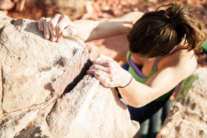 moms-climbing-reaching-their-fitness-goals-teachworkoutlove.com