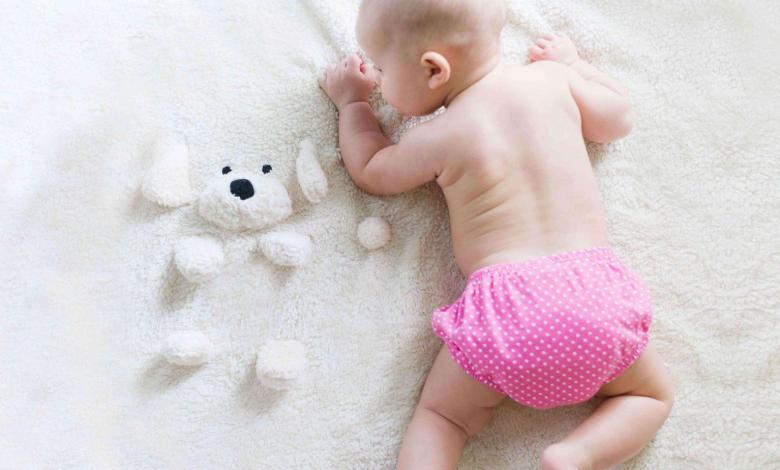 baby-in-cloth-diapers-teachworkoutlove.com