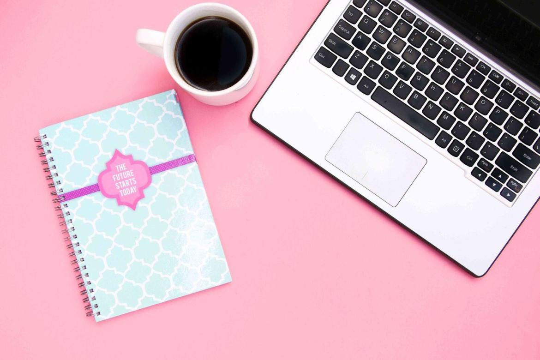 work-life-balance-laptop-notebook-coffee-teachworkoutlove.com