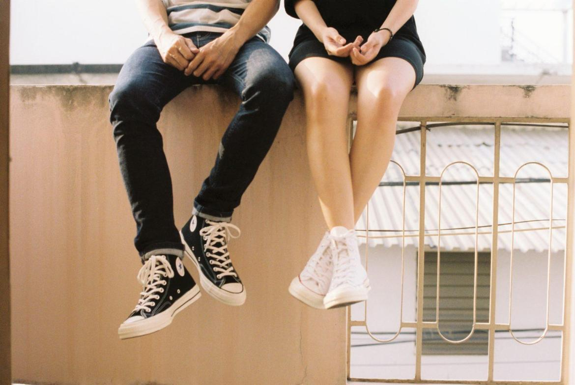 style-sneakers-variety-outfits