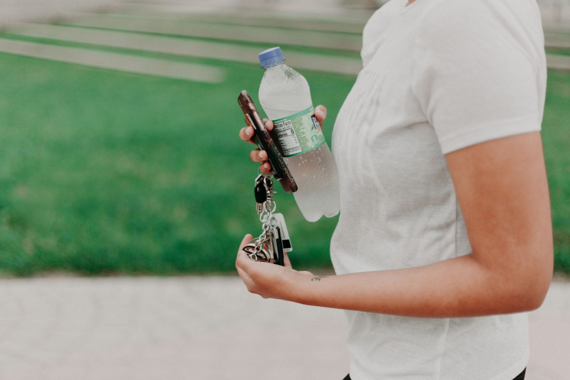 Water or Electrolyte Drinks: Which Is Better?