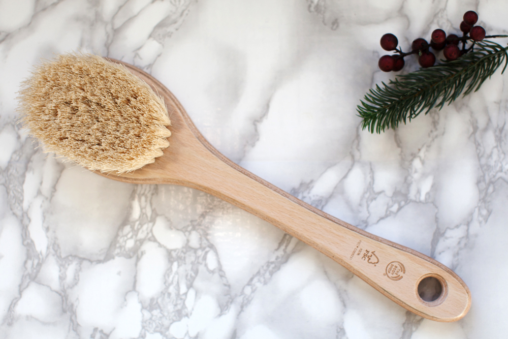 How to dry brush and why is dry brushing good for you?