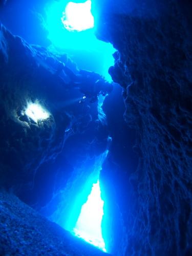 渡名喜島地形ダイビング