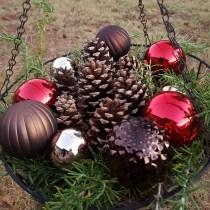 easy outdoor christmas decor