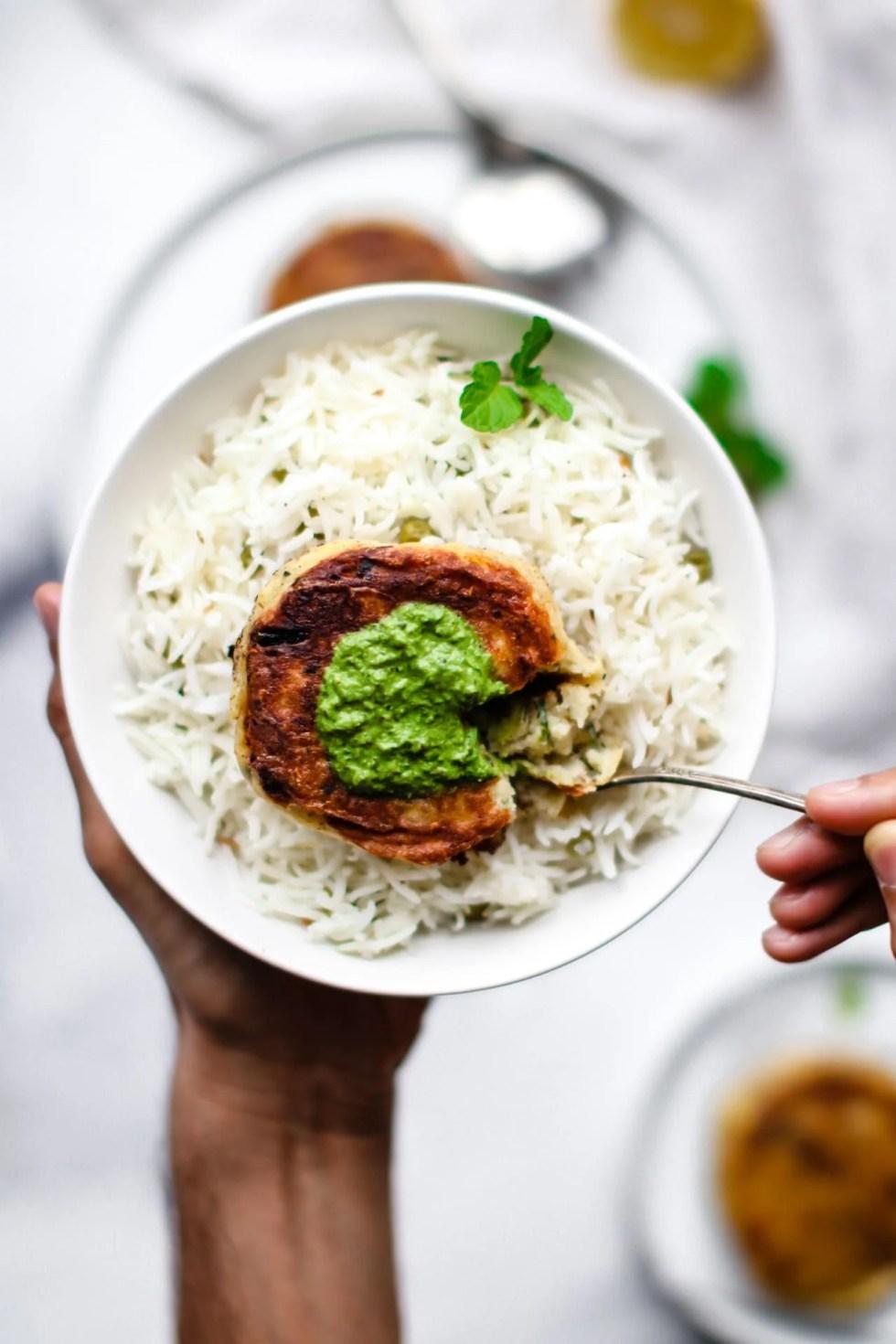 Aloo Ki Tikki with rice and chutney