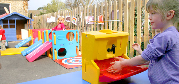 Mobile sinks for children to use out of doors