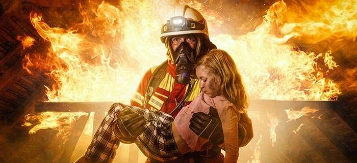 Soziales Team Event als Feuerwehrtruppe