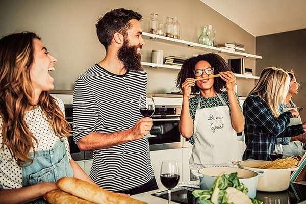 So funktioniert Kochen als Teambuilding