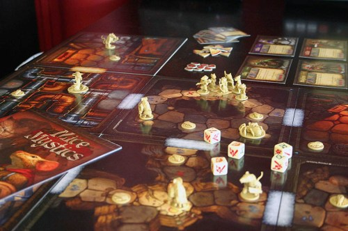 Mice and Mystics – Gameplay