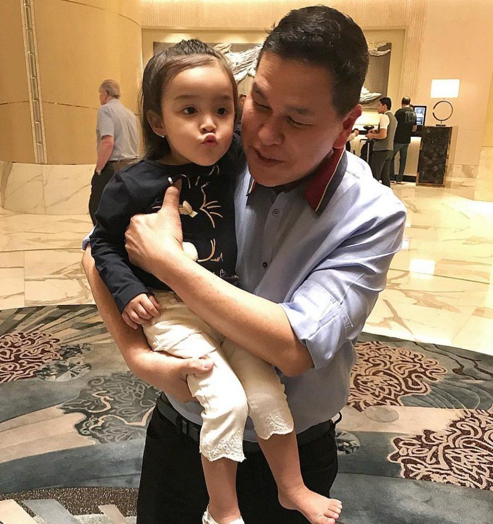 Bench Owner Mr Ben Chan Meets Baby Zia Team Dantes