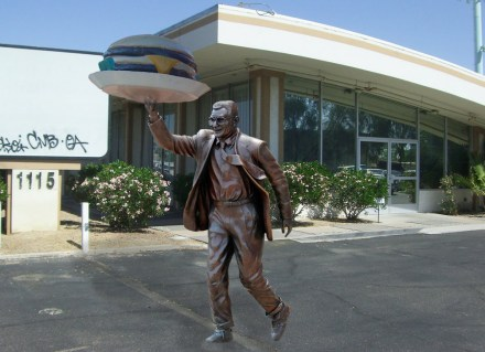 What happened to the Joe Paterno Statue? Where is it now? Joe Pa Big Boy Statue!