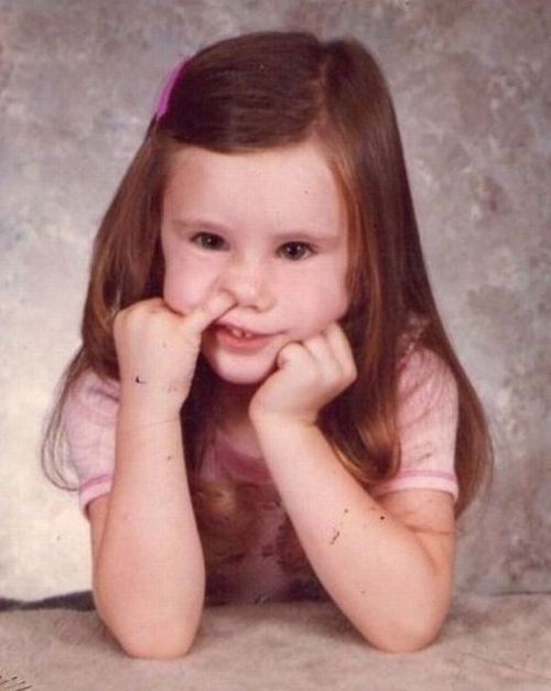 Little girl's school picture picking nose, Bad Family Phots Funny Family Photos Worst Family Pictures weird family strange awkward family portraits school pictures family photos funny pictures crazy family