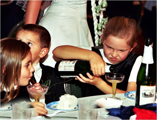 Kids drinking, kids getting drunk at wedding Funny Wedding Pictures, Bad Wedding Photos,Wedding disasters, disastrous weddings, ugly wedding dresses, bad wedding dresses, wedding photography, wedding photographers, horrible weddings, wedding invitations, affordable weddings, worst wedding pictures
