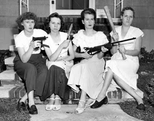 vintage women with guns neighborhood watch gun control Family Portraits Bad Family Photos Ellen worst family pics funny pictures awkward family photos wtf ugly people stupid people crazy people weird people