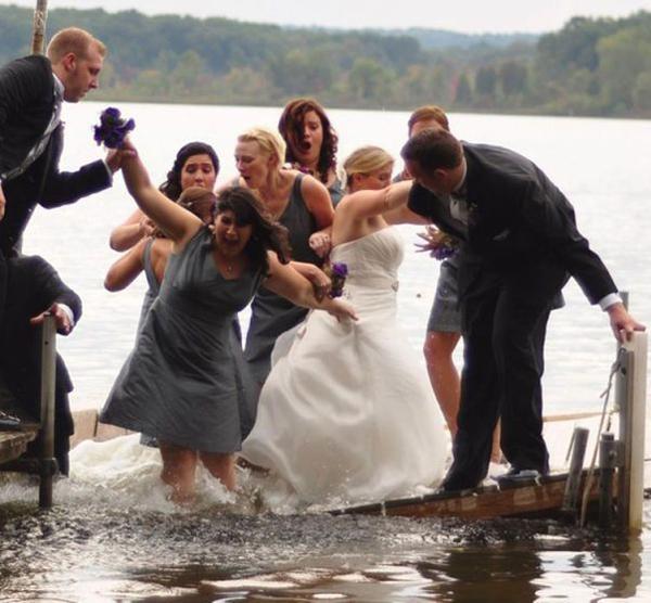 Bridal Party on Sinking raft dockFunny Wedding Pictures Bad Wedding Photos Ugly Wedding Dresses Fail Horrible Awkward Family worst strange Brides