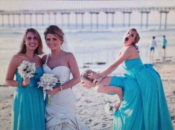 Here Comes The Awkward 14 Funny Wedding Pictures Team Jimmy Joe