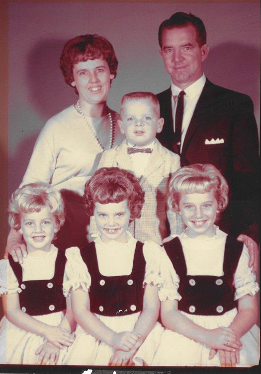 Funny Family Portrait 1950s - Awkward Family Photos. Strange & Crazy