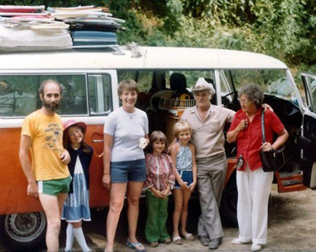 Pitch a Tent ~ 38 Awkwardly Funny Family Vacation Photos